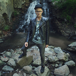 Naglis Bierancas - Fishbone Black Fullcap, Bershka Leather Jacket, H&M Skinny Jeans - Water me