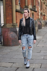 Susan Dollparts - Killstar Vegan Leather Jacket, Review Transparent Shirt, Forever 21 Boyfriend Jeans, Topshop Chunky Heels - Boyfriend Jeans