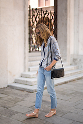 Jess A. - Gucci Crossbody Bag, Ray Ban Clubmaster, Gap Jeans, Gioseppo Sandals - SUMMER PATTERNS