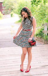 Lindsey Puls - Nila Anthony Lady Bug Purse, Target Red Heels - Matchy-Matchy