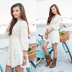 Larisa Costea - Sheinside Dress, Free People Boots - Boho birthday