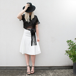 Dena T. - Rebson Crop Lace Top - THE WHITE MIDI SKIRT