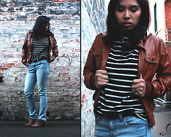 AUIE Robrigado -  - Brown Leather & Brick Walls