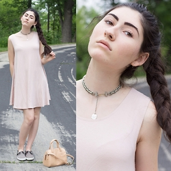 Natalie Callahan - Forever 21 Dress, Urban Outfitters Purse, Urban Outfitters Shoes - Ohm