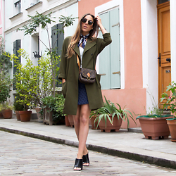 Alison Liaudat - La Redoute Oversize Coat, Maje Bandanas, Sezane Mini Skirt, Louis Vuitton Vintage Bag, Zara Mules - Secret Places