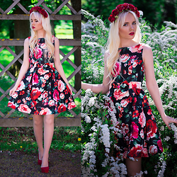 Oksana Orehhova - Oasap Dress - LOVE BOUQUET