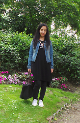 Sarah G - Stra Denim Vest, Bershka T Shirt, Stradivarius Pants, Converse Sneakers, Independant Brand Bag, Six Necklace - Jardin du Luxembourg