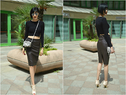Rita Aflyatunova -  - Look of the day: Crop top and Pencil skirt