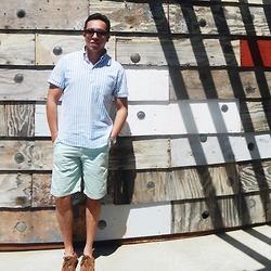Le Pakinsky - Linda Farrow Brown Square Sunglasses, Gant Rugger Pullover Shirt, Zara Brown Suede Shoes - HotHotCool