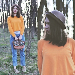 Ana B - Zara Sweater, Bershka Girlfriend Jeans, New Yorker Flowers Bag - Forest girl