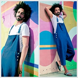 Oli Worlds -  -  IT'S A DUNGAREES DAY!
