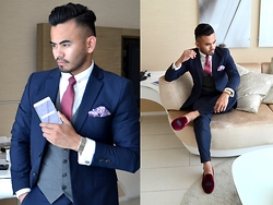 Paul Ramos - H&M Navy Suit, Ysl Waistcoat, Bachelor Shoes Slippers - STYLE MEETS TECH