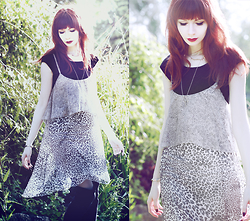 Lady Juliet - Kaos Leopard Dress, Forever 21 Necklaces - Lady Leopard