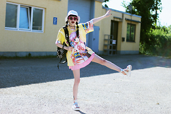 †Norelle Rheingold† - Longclothing Infinity Mini Backpack, Unif The Moody's Sunglasses (Pink), Zip Zap Zoom Anime Manga Girl Printed T Shirt - Hell is so hot right now