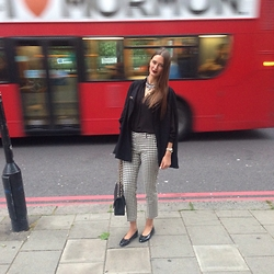 Amina Allam - Ted Baker Cape, H&M Necklace, Zara Shirt, Zara Pants, Chanel Bag, Chanel Shoes - Black & white Sunday