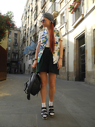 Jenny Danilkova - Humana Vest, Rokit Shorts, Topshop Top - Sunset in Barcelona