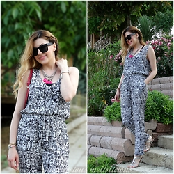 Melislicious Blog - Walk Trendy Jumpsuit - Geometric