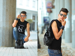 Espada Yassine - T Shirt, Bag - Hello