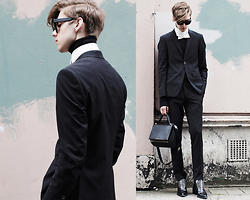 Mikko Puttonen - Turo Blazer, Turo Trousers, Leather Collar, Givenchy Bag, Jil Sander Shoes, Acne Studios Shades - LCM DAY 2 / instagram @mikkoputtonen