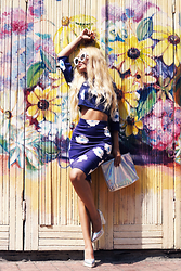 Krist Elle - Style Moi High Waist Pencil Skirt, Style Moi Floral Cropped Top, Freyrs Cat Eye Sunglasses - Floral print look