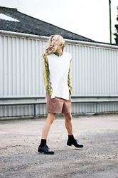 Daniella Robins - Warehouse Knit - Loving Snake Print The Way I love Donuts