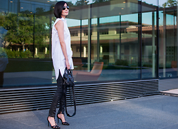 Helen @ mountainandcloud.com - T By Alexander Wang Dress Shirt, Madewell Jeans, Schutz Shoes - Dress Shirt