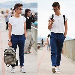 Marco Santoro - Chanel Glasses, Calliope Tshirt, Zara Pant, Adidas Sneakers, Gucci Backpack - Geek or one day