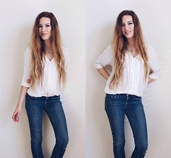 Lauren Schoonover - Joie Silk Blouse, 7 For All Mankind Skinny Jeans - Outfit 250