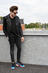 Jordi - Acne Studios Gibson Leather Jacket, H&M X Alexander Wang Mesh Tank, H&M Jeans, Adidas X Raf Simons Ozweego 2 - Silicone Bubbles