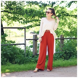 Sonja Shoppisticated - H&M Pants, Zara Pullover, Asos Top, Ray Ban Shades - Rusty Red