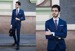 Artem Arutyunov - Massimo Dutti Blazer, Massimo Dutti Pants, Loake Brogues, Gerard Henon Bag, Daniel Wellington Watch, Henderson Tie, Ray Ban Glasses - Moscow Streets