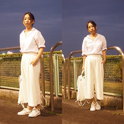 Yu Kuwabara - Madison Blue J.Bradley Loose Shirt, Emoda Striped Wide Relax Pants, Emoda Sporty Fake Leather Knapsack, Adidas Stan Smith - In The Blue of Evening