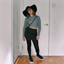 Shaghaiegh Hoshiar - H&M Floppy Hat, Topshop Crop Top, H&M Skirts, Nike Trainers - Grey Gradient
