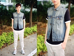 Bomber Jhu - H&M Denim Vests, Adidas Originals Red Label Gray Sneakers - Summer is coming