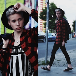Janne Naakka - Criminal Damage Vest, Topman Hat - RED & LEATHER