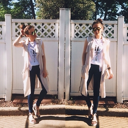 Mariam Argvliani - Zara It Shirt, Zara Summer Blazer, Bcbg Silver Shoes, H&M Skinny Jeans - Got my new shades on <3