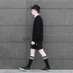 Joel Mcloughlin - Asos Wide Brim Fedora, Peter Scott Cashmere Jumper, Forever 21 Frayed Denim Shorts - N E R E U S