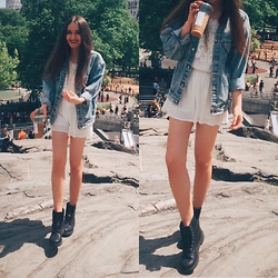 Mariam Argvliani - H&M Boots, Levi's® Denim Jacket - Vintage denim <3