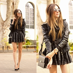 Flávia Desgranges van der Linden - Jacket - All Black Outfit
