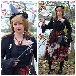 Badia Cupcake - Betsey Johnson Owl Necklace, Luna Rossa End Of The Vanitas Long Jsk - Feeling Witchy at the Renaissance Faire