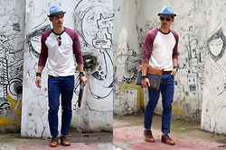 The Filo Dapper - American Eagle Outfitters Shirt, Weekday Corduroy Pants, Alberus X Bench Fedora, Opening Ceremony Derby Shoes, Borders Computer Case, Aldo Sunglasses - Street Art
