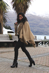 AUIE Robrigado - Glassons Black Jeans, Bcbgeneration Black Booties, Faux Fur Tan Cape - A Winter Companion