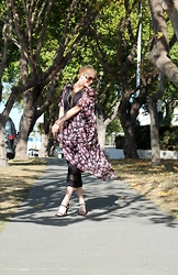 Caity Shreve - Oasap Floral Kimono, French Connection Uk Black Midi Dress, Marrin Costello Gold Lariat - Twirl