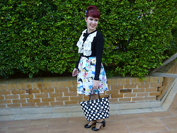 Imogen O - Kitten D'amour Bella Senora Ruffle Top In Black & White, Forever 21 Floral & Colourful Skirt, Guess? Delany Tote In Polka Dot, B.A.I.T Footwear Robbie Kitten Heels - Ruffles, Florals & Polka Dots