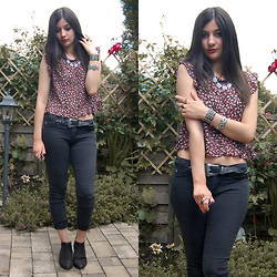 Vanny Roxx - Donna Carolina Ankle Boots Nero, Tally Weijl Black Skinny Trousers With Low Rise, C&A Floral Peplum Top, Mango Western Belt, New Yorker Chain Necklace - Where you are I won't be, you're gonna be the death of me.
