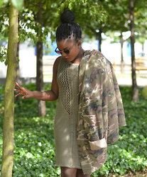 Evelyn T. - Topshop Camo Jacket, Primark Knitted Dress, Camden Market Sunglasses - 290615