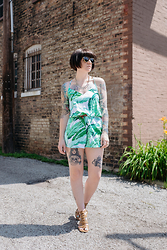 Jessie Bee - Han KjØbenhavn Sunglasses, Akira Chicago Necklace, Old Navy Banana Leaf Romper, Urban Outfitters Double Wrap Belt, Shoedazzle Strappy Sandals - New Leaf