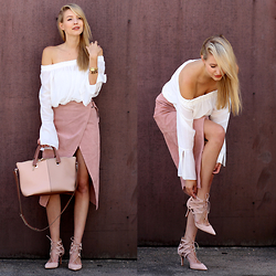 Leonie Hanne - Anita Hass Aquazzura Heels, Asos Off Shoulder Blouse, Monnier Freres Baylee Bag, Asos Leather Skirt - If the shoe fits | ohhcouture.com