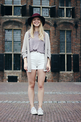 Nina Heutinck - Costes Wine Red Hat, Brandy Melville Usa Caroline Cardigan, Style Moi White High Waisted Shorts - Feels so good when we're wasting time