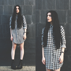 CLAUDIA Holynights - Young Hungry Free Checked Shirt, Unif Choke Boots - Check
